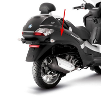 Side skirt Piaggio MP3 black on the right Piaggio original 672394000c